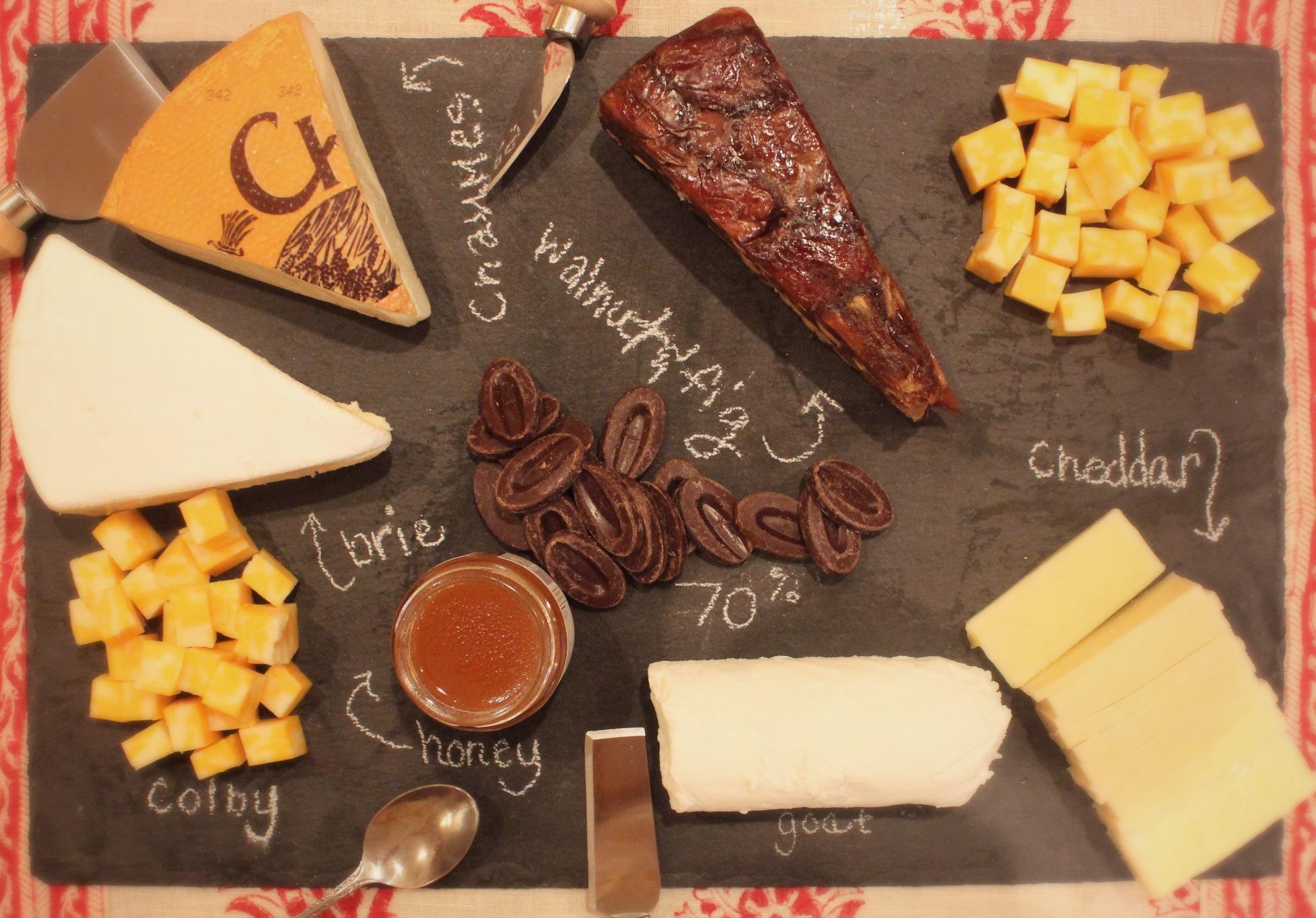 Easy DIY Cheese PlatterA Lavender Heart & How To Make a Cheese Platter \u2013 Recipesbnb